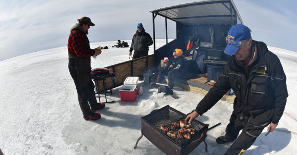 Edlund_late-ice-pike-grill
