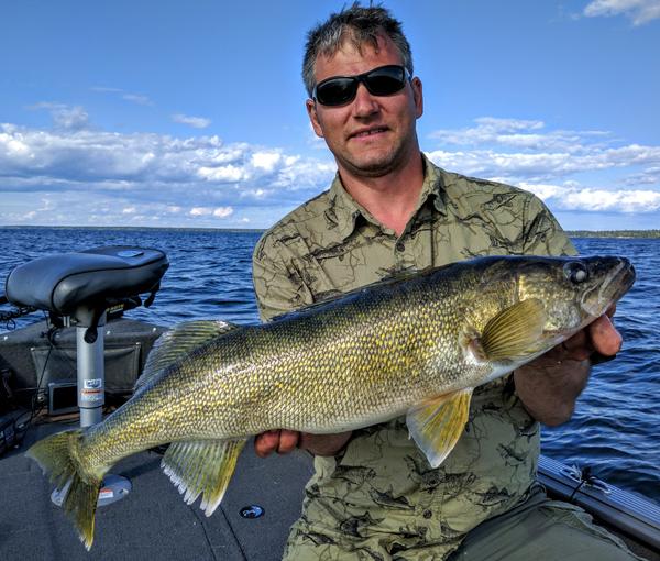 eye candy manny milas tobin lake target walleye 160803