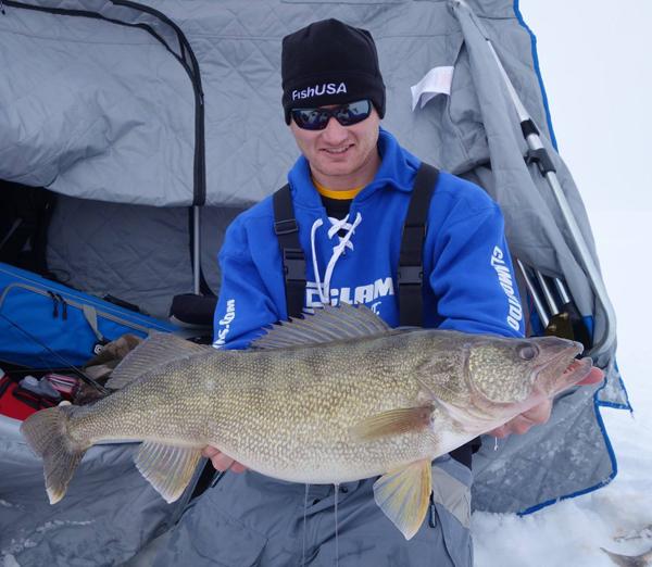 fishusa-ice-fishing-clam-outdoors-ross-robertson-walleye-160928