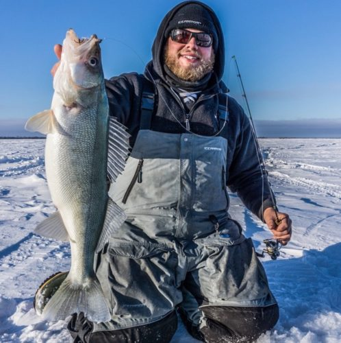 Target walleye ice s top ice fishing destinations in north for Ice fishing iowa