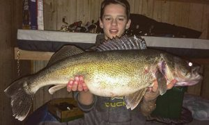 Ice fishing dream trips target walleye for Lake of the woods ice fishing packages