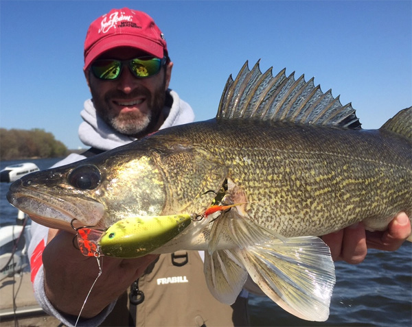 New ice walleye record best ever walleye baits al for New ice fishing gadgets