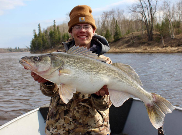 Target walleye the best news and tips on walleye and ice for Rainy river fishing report 2017